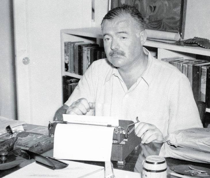 Así afrontaba Ernst Hemingway el reto de la hoja en blanco. Y tú, ¿te atreves?