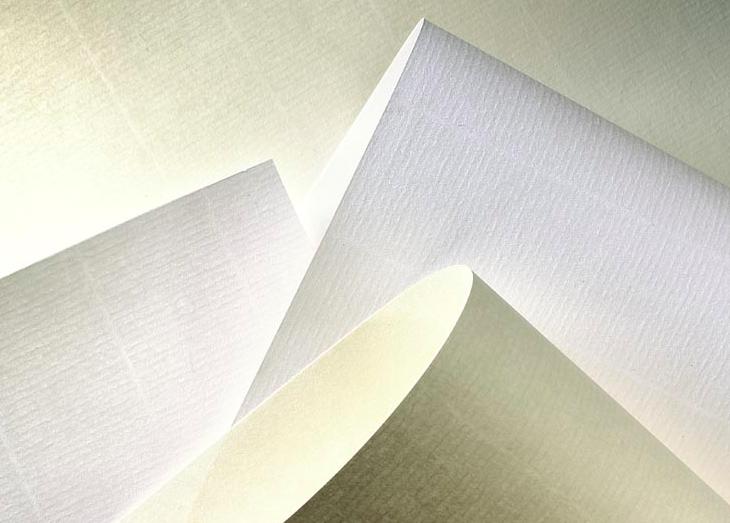 <!--:es-->Pregunta al experto: «¿Qué sentido tienen las marcas longitudinales del papel Corolla Book?»<!--:-->