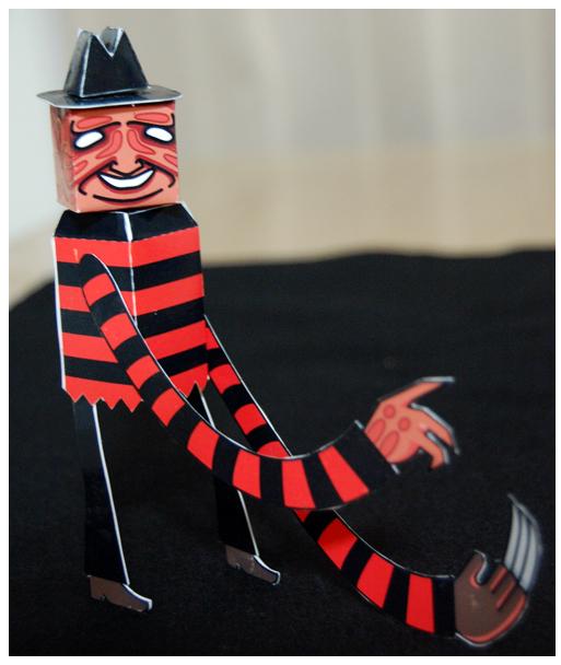 <!--:es-->Hasta los papertoys se disfrazan para Halloween<!--:-->