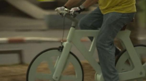 <!--:es-->Sí, es una bicicleta y es de cartón<!--:-->