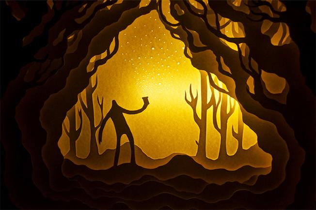 ¡Espectacular combinación del arte del papel y la luz!