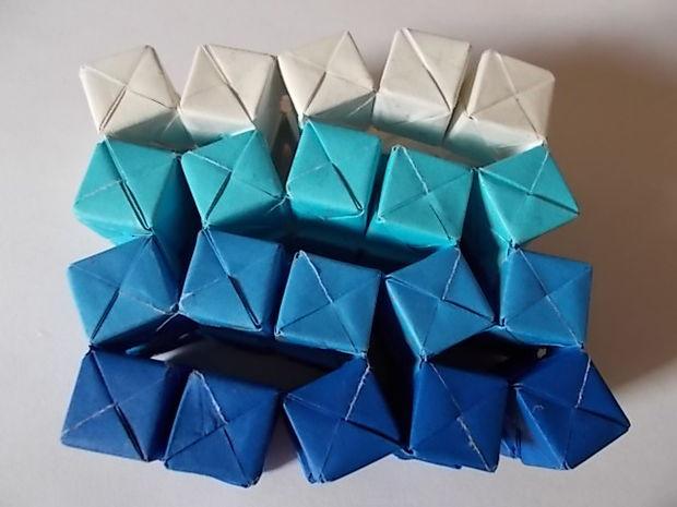 Te enseñamos a crear un escultura interactiva de Origami en 45 pasos
